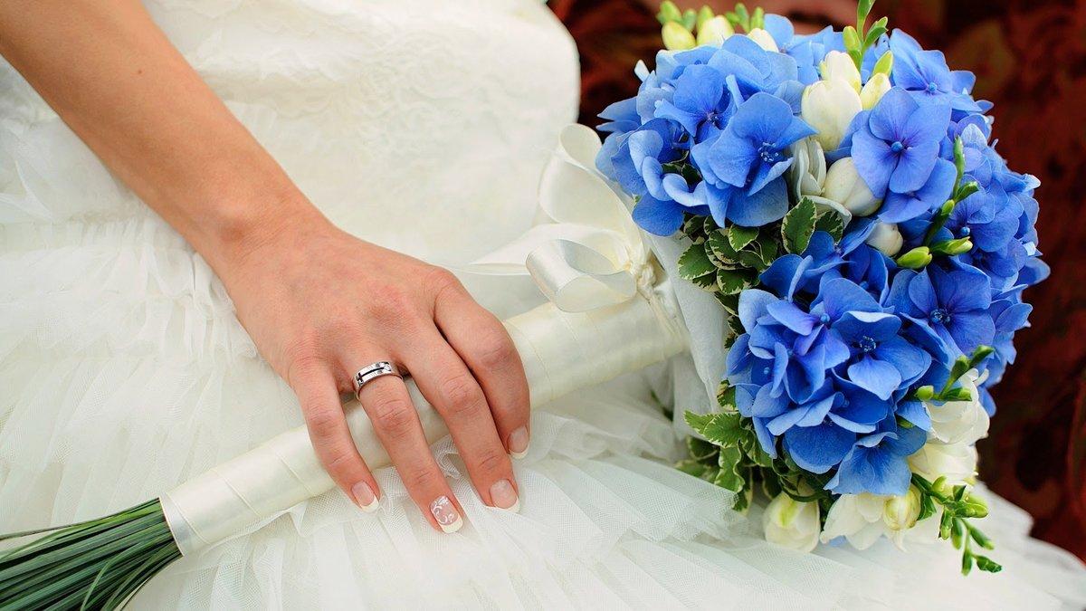 Какие цветы выбрать для букета невесты в сентябре