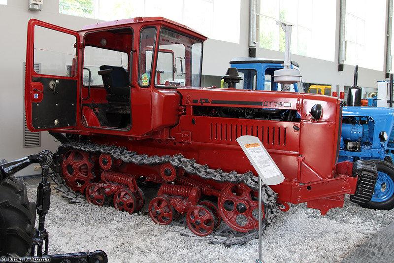 Музей тракторов ссср фото