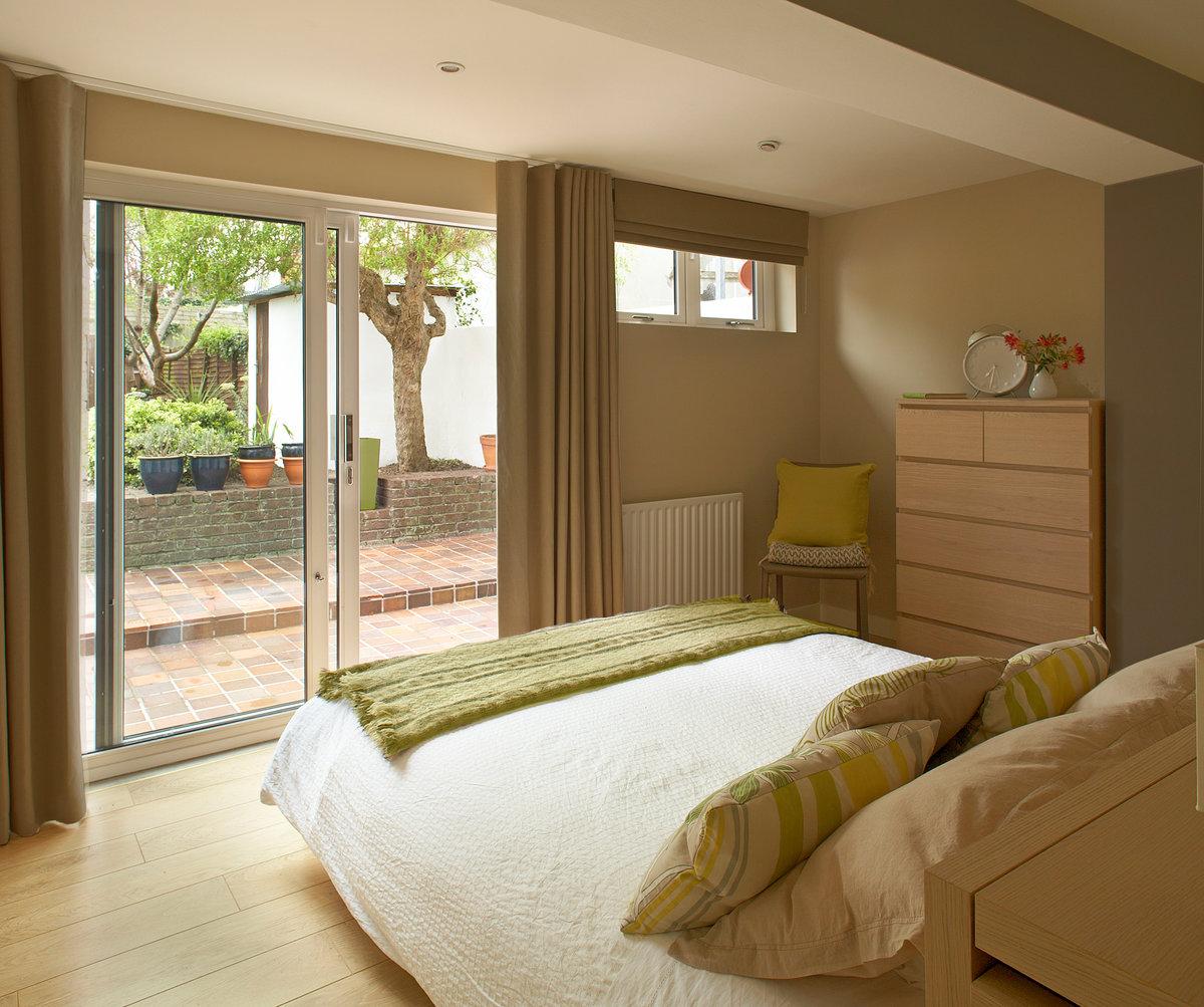 Ремонт небольшой спальни фото месте