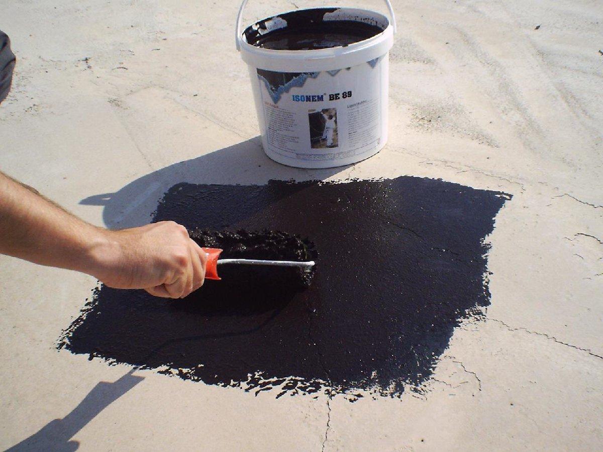 как правильно наносить мастику на бетон