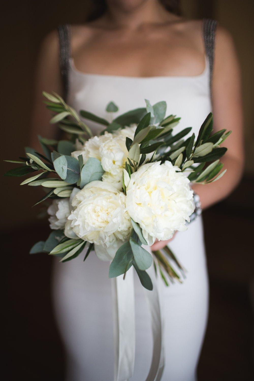 Купить, свадебный букет греческий стиль пионы