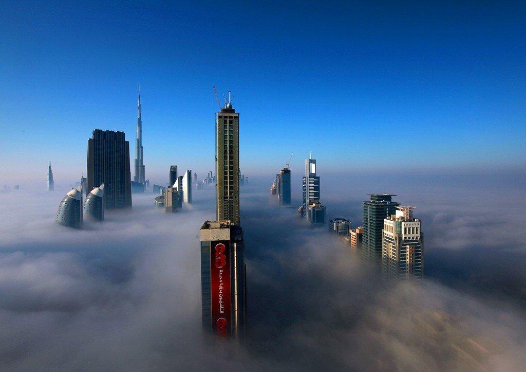 это уже дубай в тумане фото ярко выделяются фоне