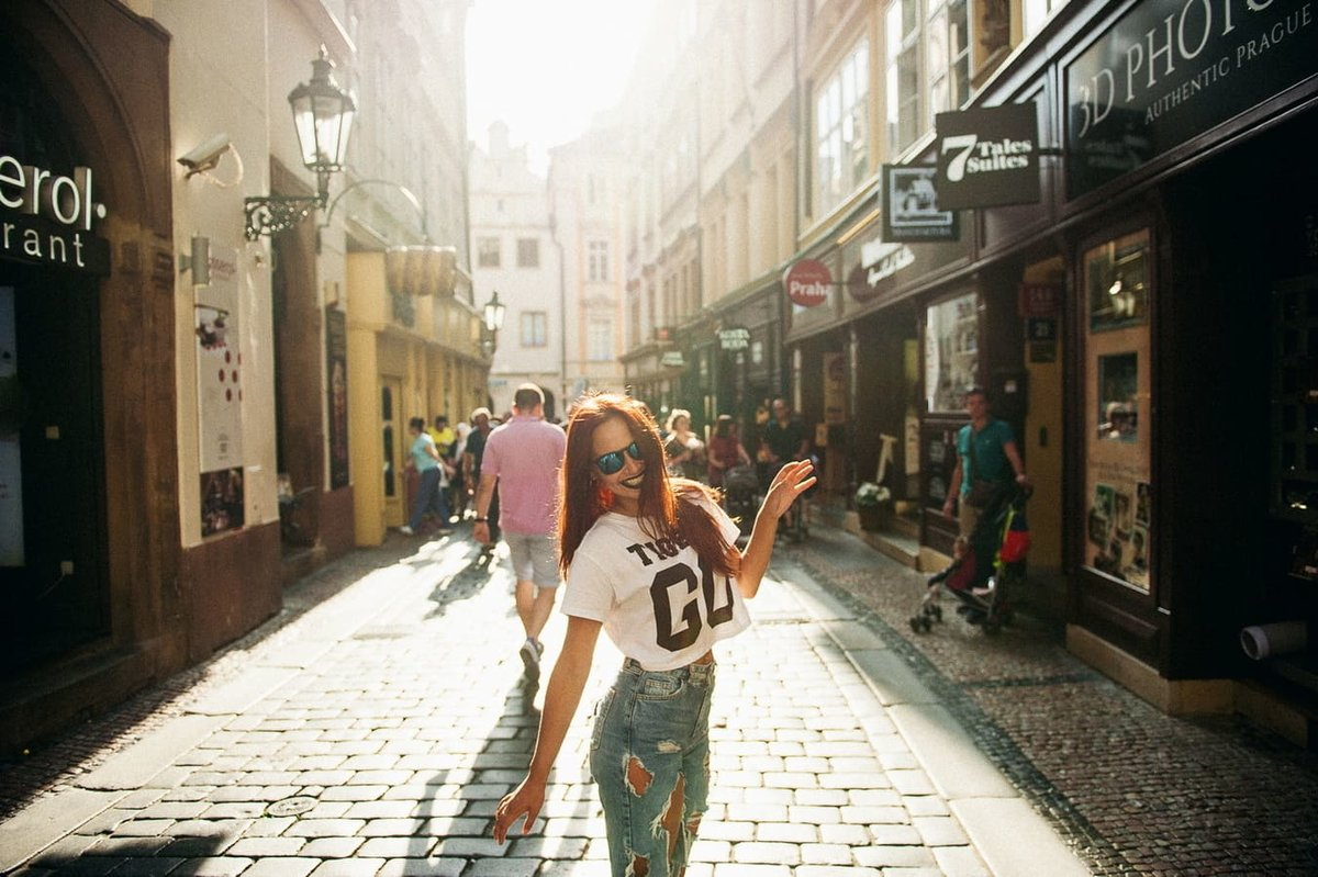 Prague girl pics — img 15