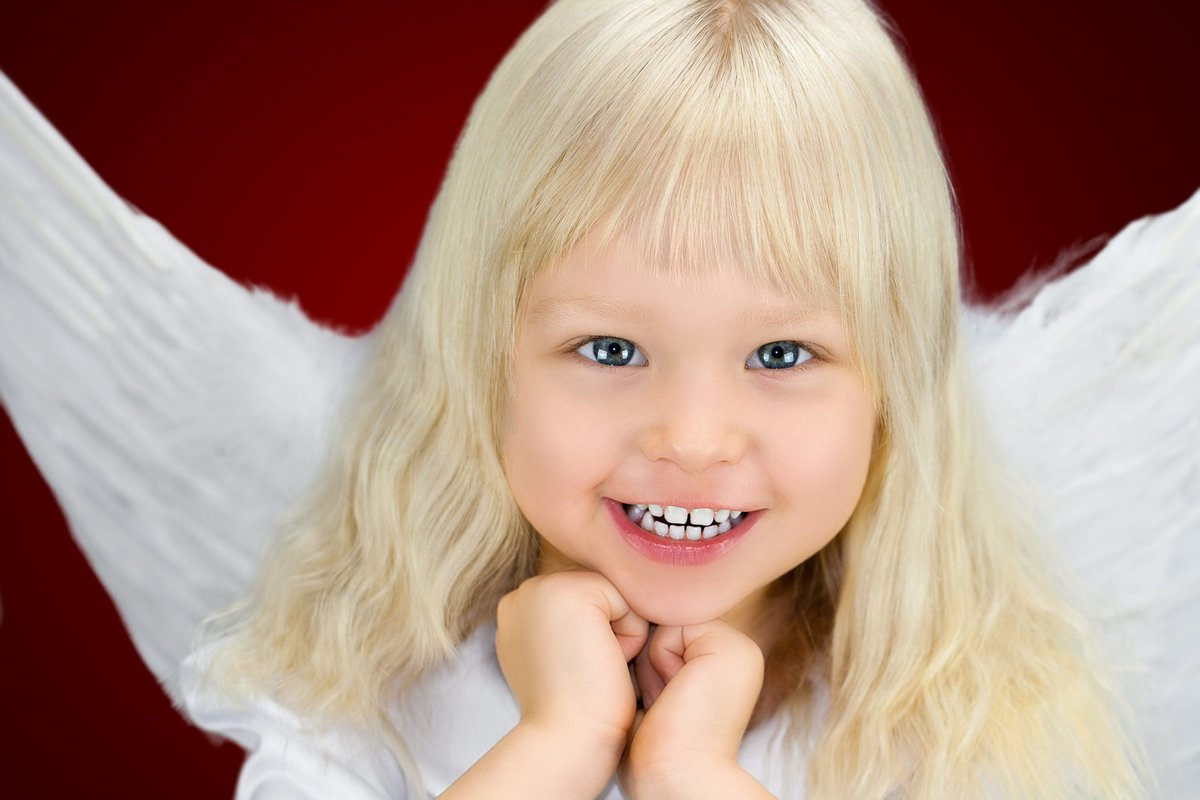 картинки ангелочек с голубыми глазами три года
