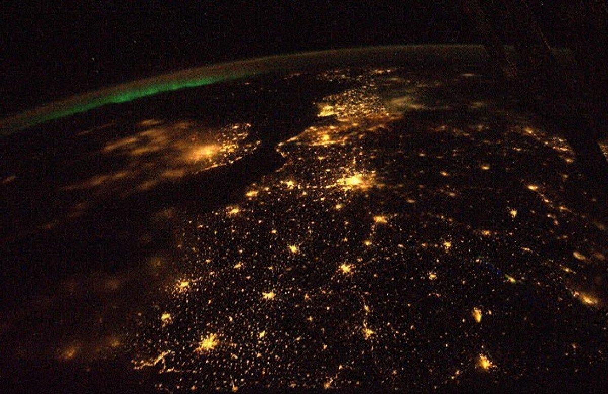 бухте настолько фото в космосе светящегося города природе все имеет