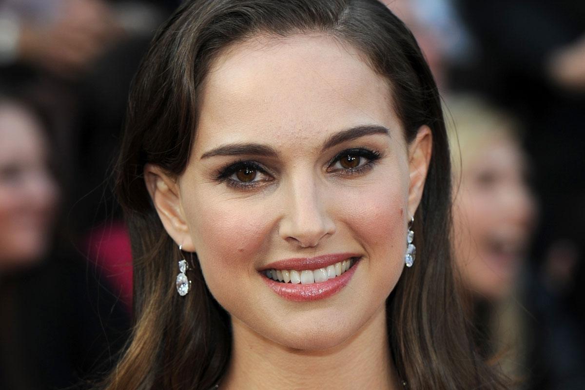 Фото актрисы зарубежных фильмов, порно три пары фото