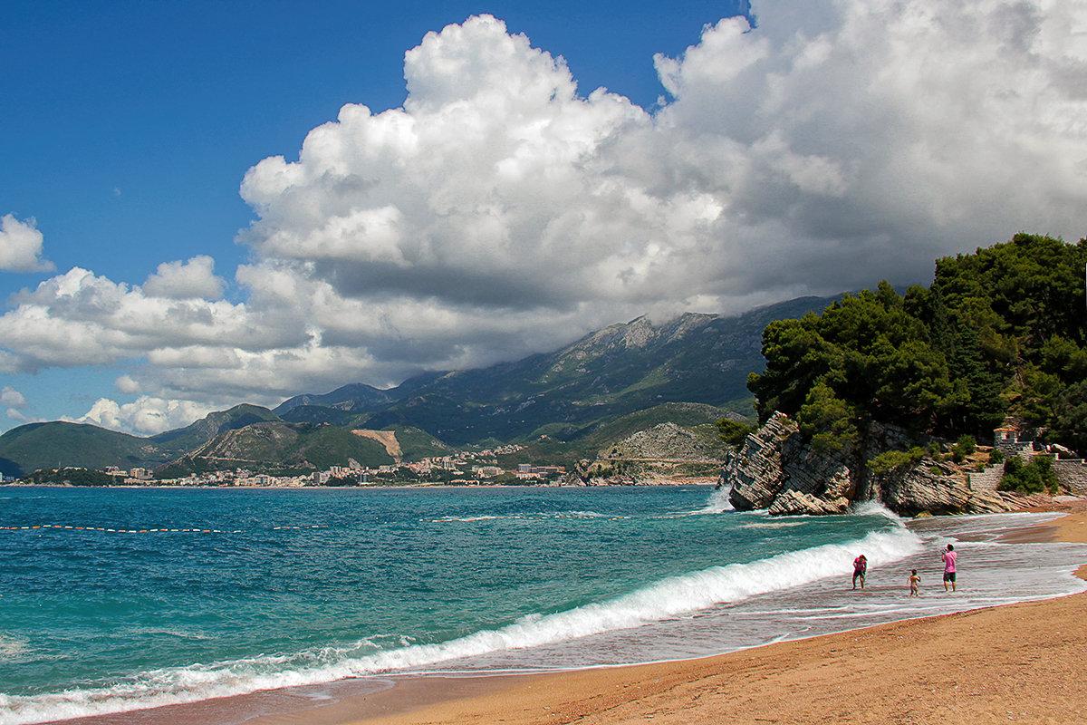Летний сезон в Черногории исключительно благоприятен для отдыха