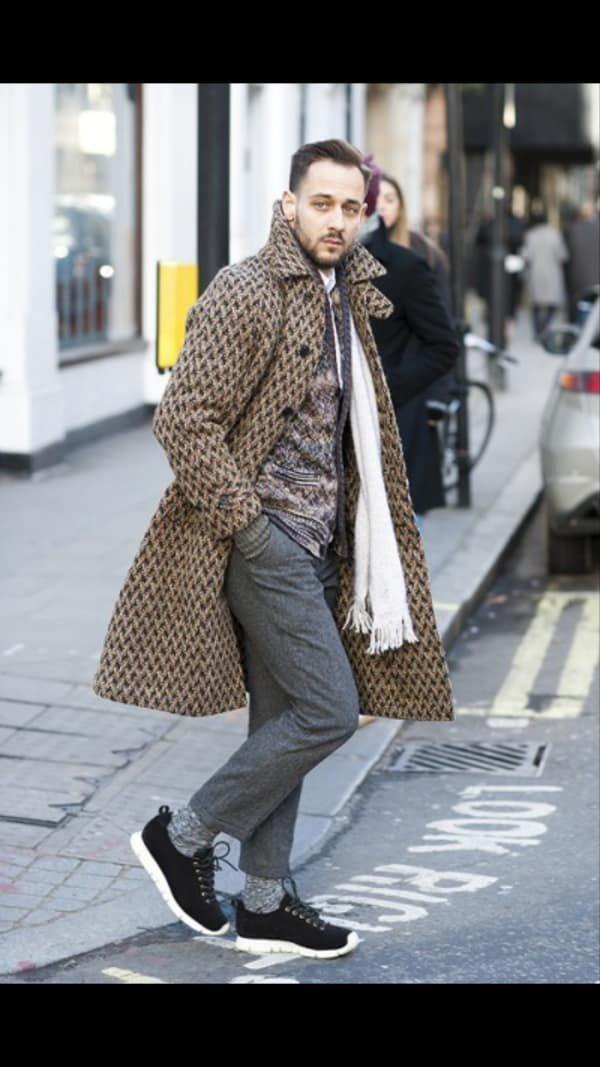 6de04b09623 Уличная мода  Уличный стиль недели мужской моды в Лондоне се ...