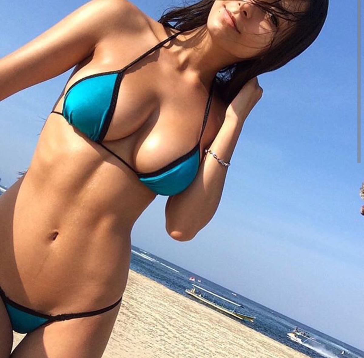 любительская порно фото классных телочек в бикини резко крепко