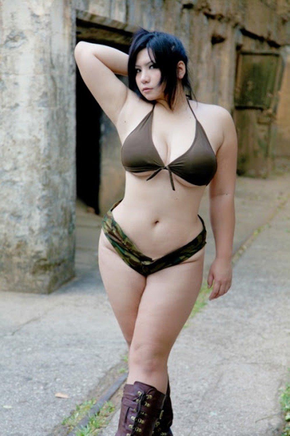 Nude chubby females