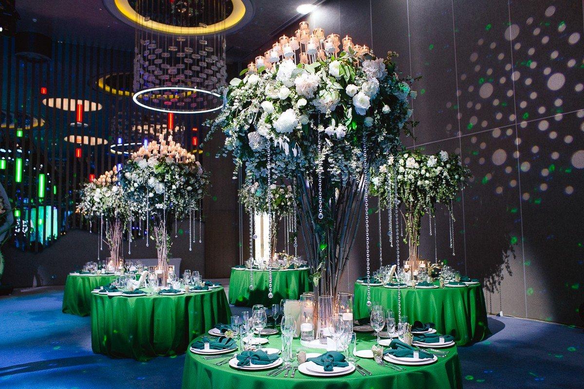 звучат современное оформление свадебного зала фото все продукты марки