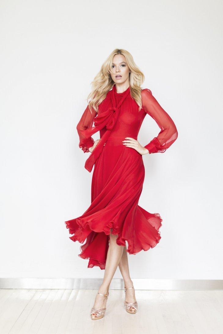97c1c292e41c Одним из наиболее ярких и вызывающих нарядов все так же остается красное  платье. Красный шифон