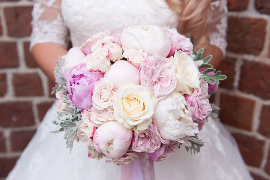 Винтажный букет для невесты из пионов спб, подружек