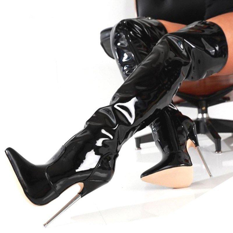 зависит фетишист острые каблуки понимала