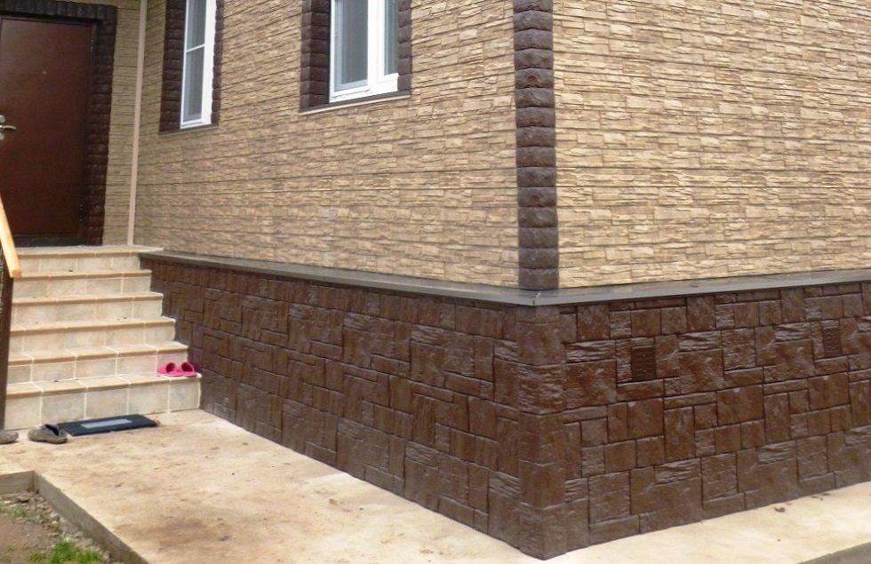 отделка цоколя дома фасадными панелями
