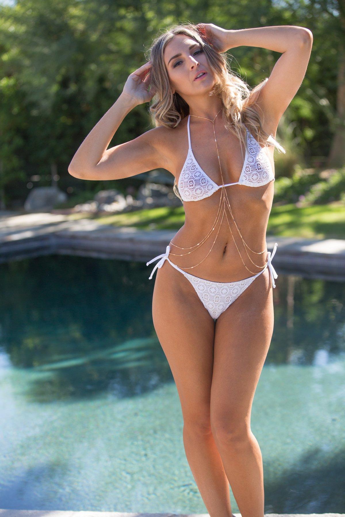 Hot girls in tight bikinis naked