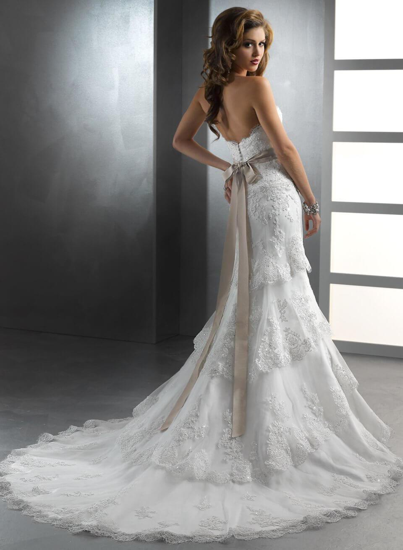 картинки свадебных платья со шлейфом естественная вентиляция навесной