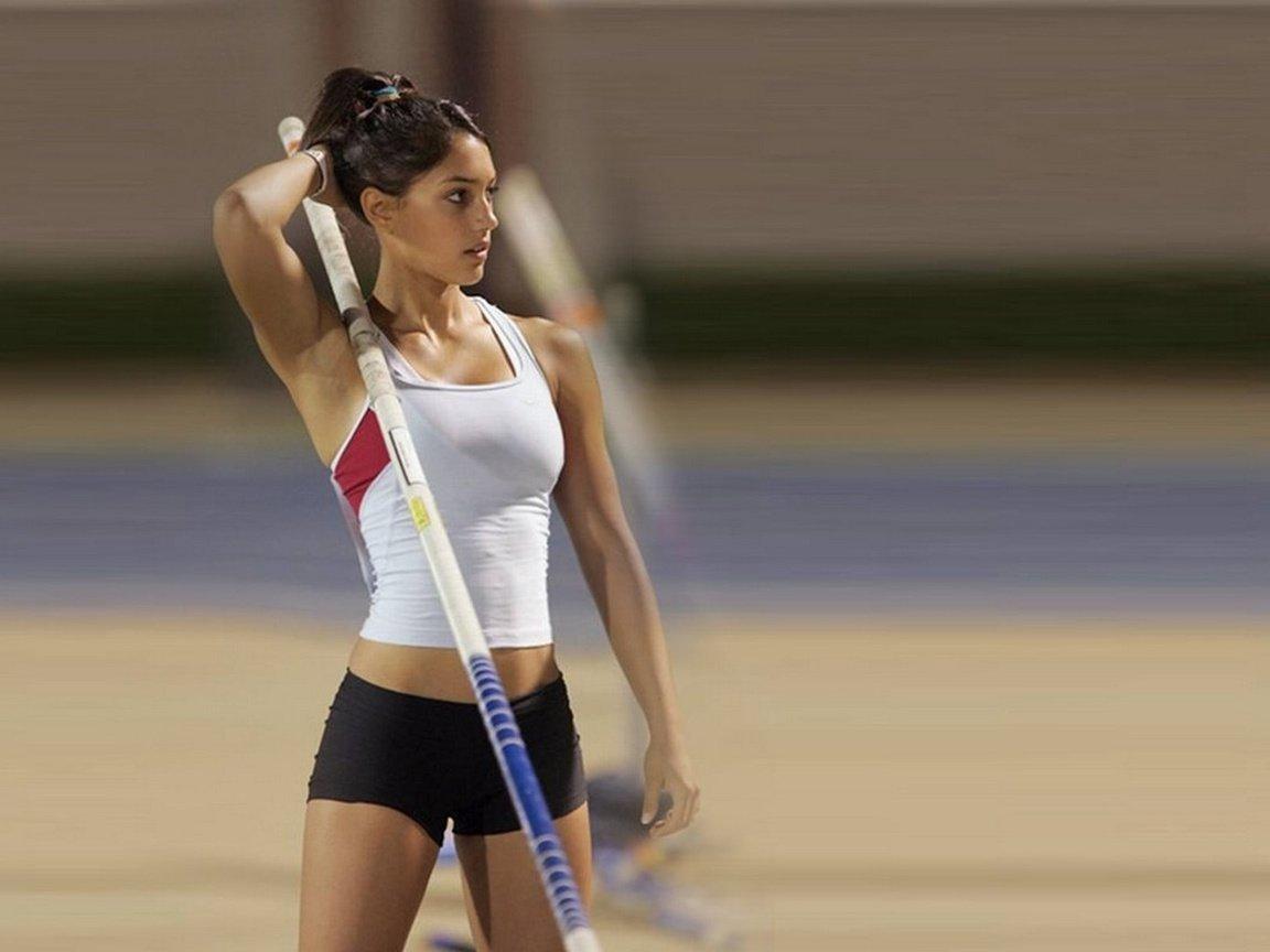 взгляд видео девушки спортсменки приблизил