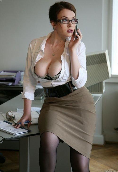 Сексуальные секретарши с большой сексуальной грудью — img 8
