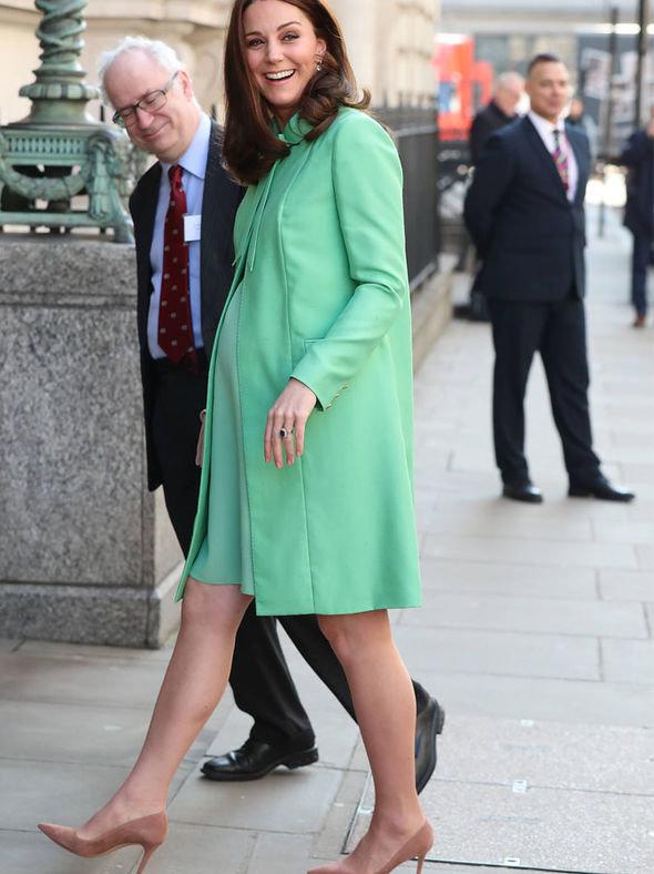 Photos nude pregnant Kate