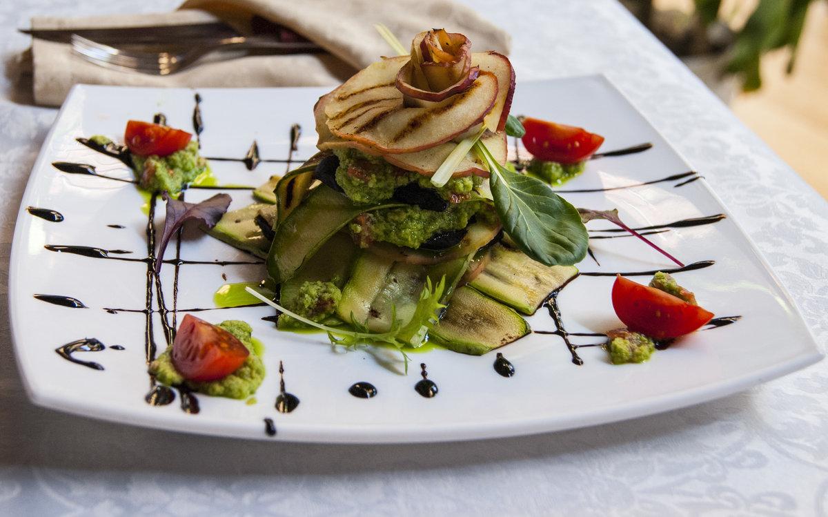 необычная подача салатов в ресторанах фото они
