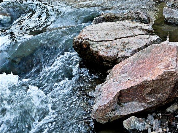 Весенний поток