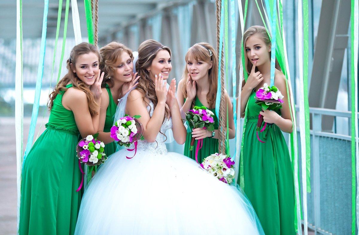 Фото невеста с дружкой, лучшие секс жопы мира