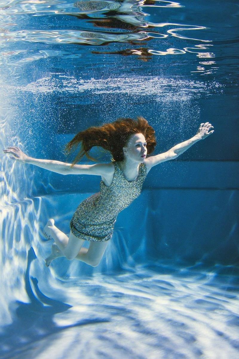 Фото голых рыжие женщины фото под водой