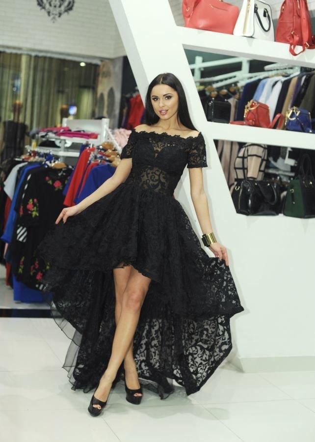 вечернее черное платье с гипюром и шлейфом сзади» — карточка ... b9cf89ce7bc