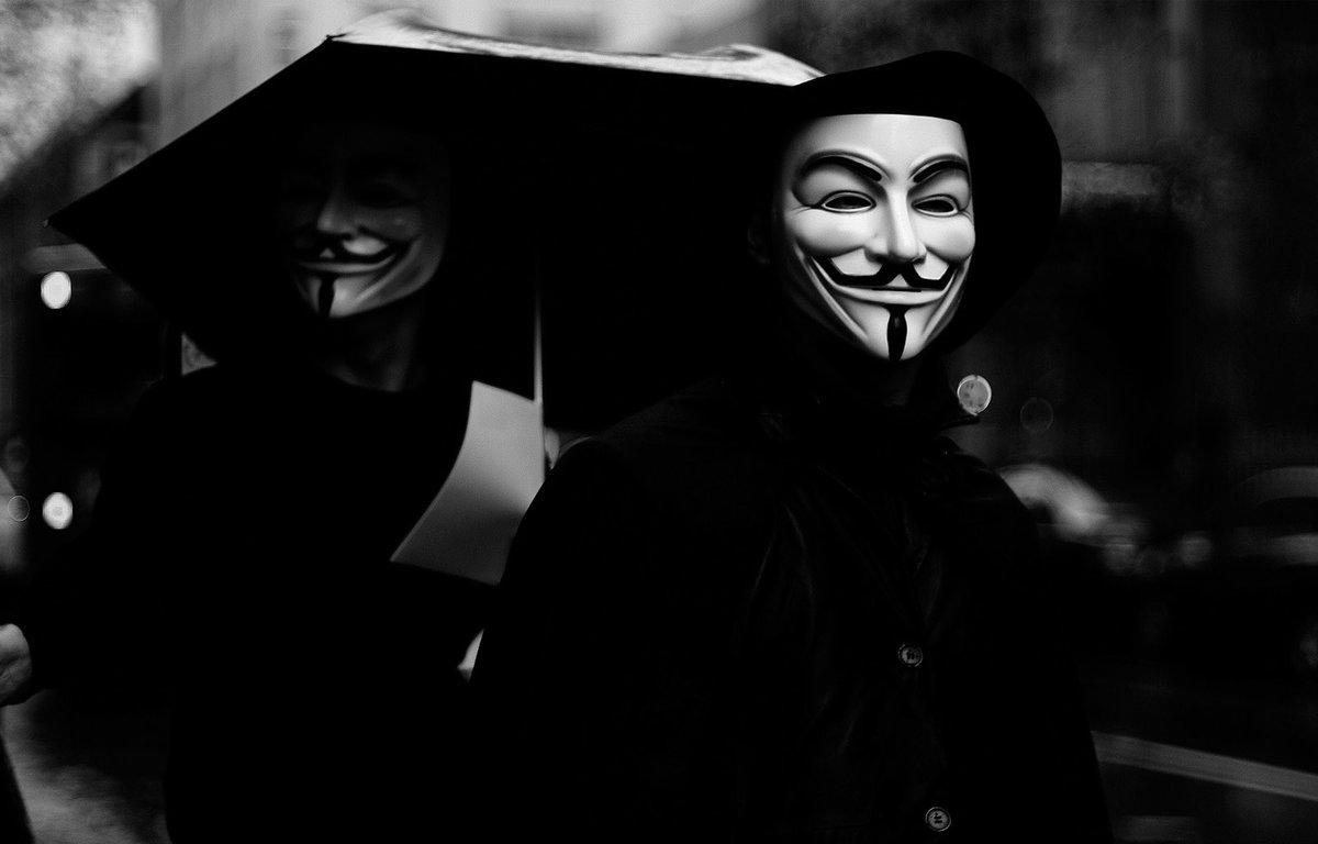 Прикольные картинки людей в масках, днем