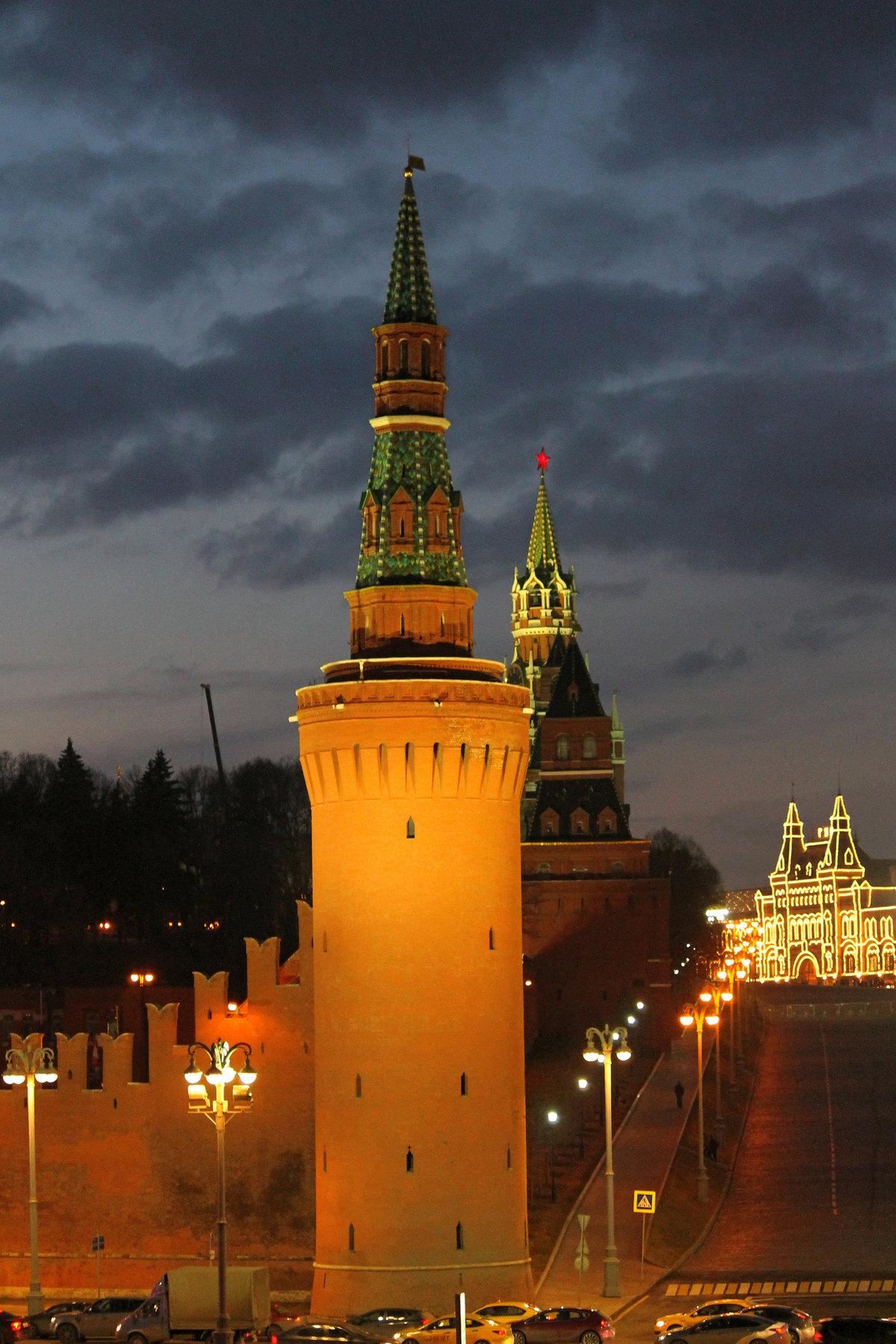 Цветы для, картинки москва кремль вертикальные
