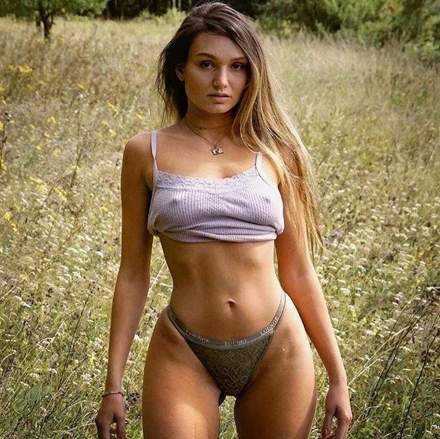 частные фотографии девушек голенькие гарпер