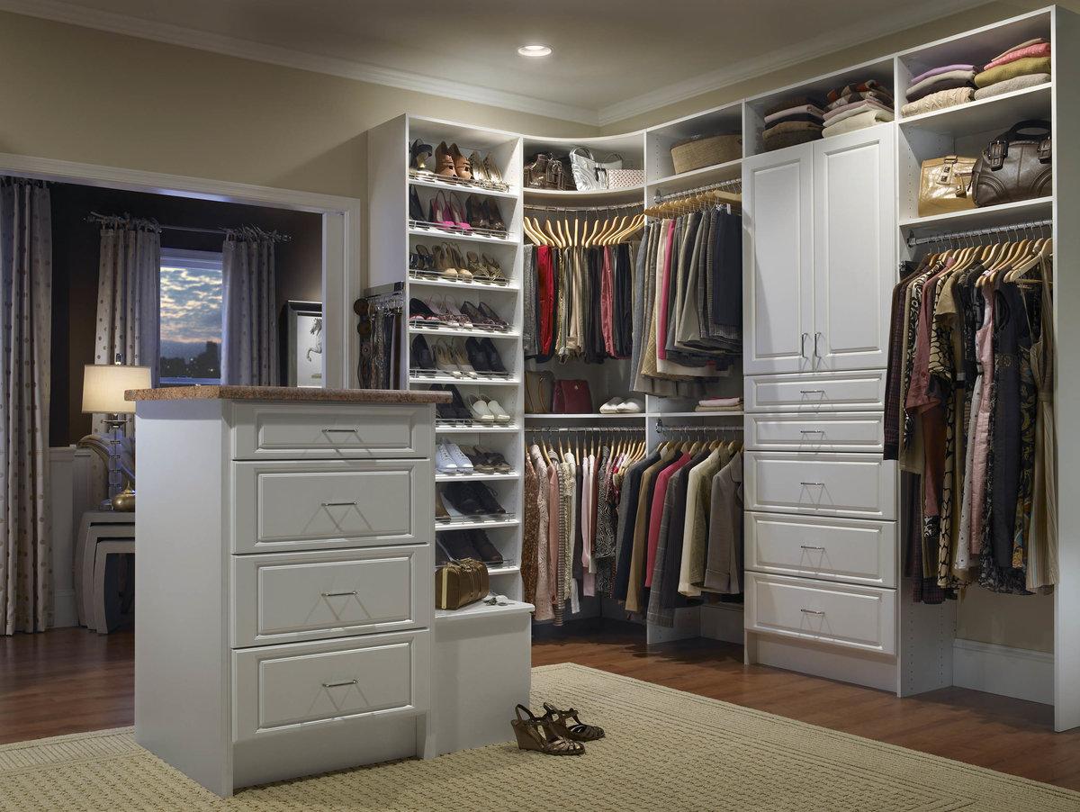 монтаж гардеробной комнаты