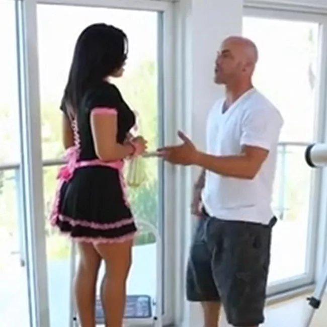 Служанку трахает в попку, порно видео онанизма на улице