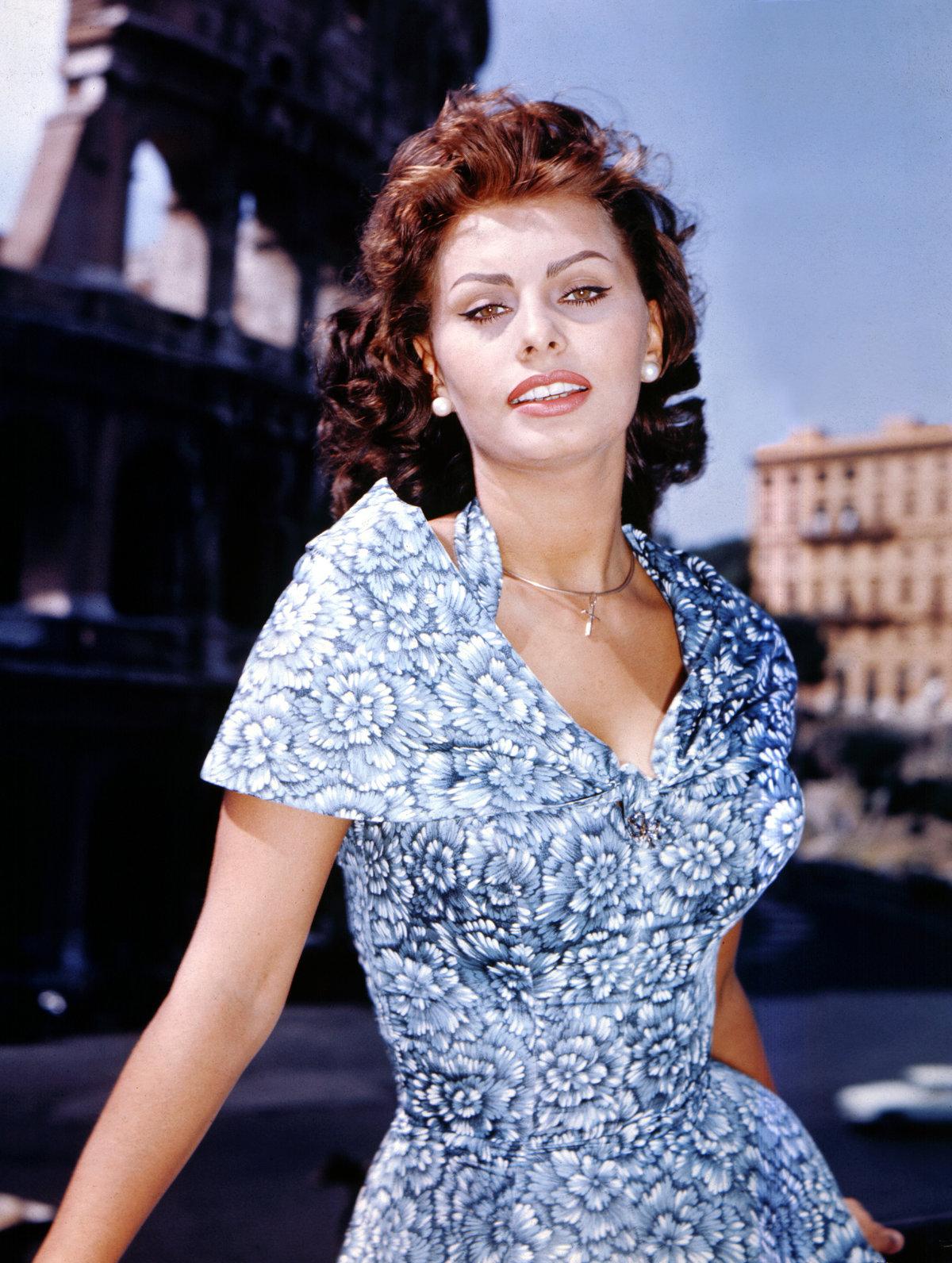 Топ итальянских актриса, как меня выпороли