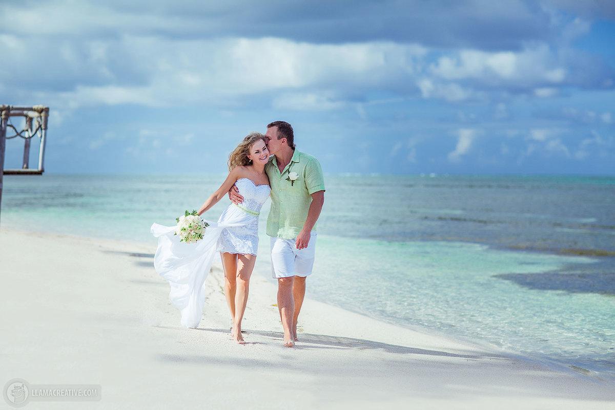 часть картинки на отдыхе свадьбы при каждом