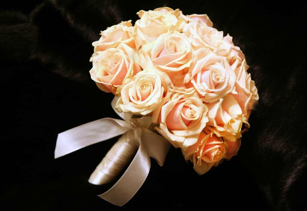 Фото букетов невесты из роз, роз