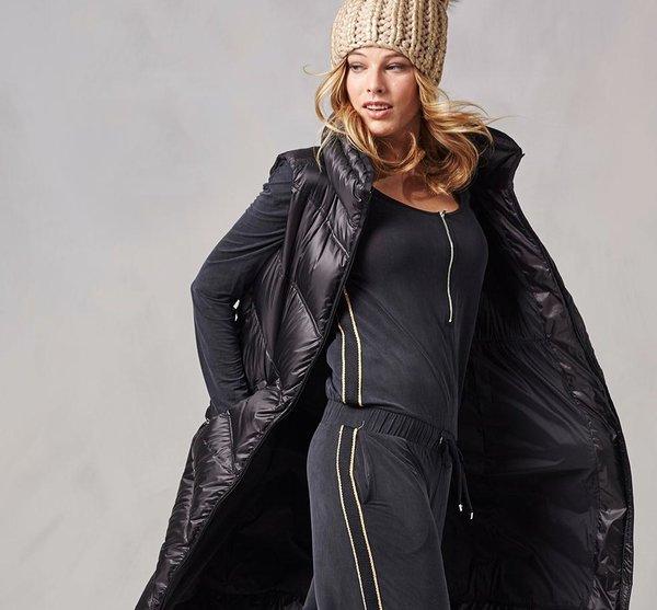 1564698d5681 Зимняя спортивная одежда для женщин. 13 карточек  Подписчики. Подписаться. Женская  одежда Bogner Sport