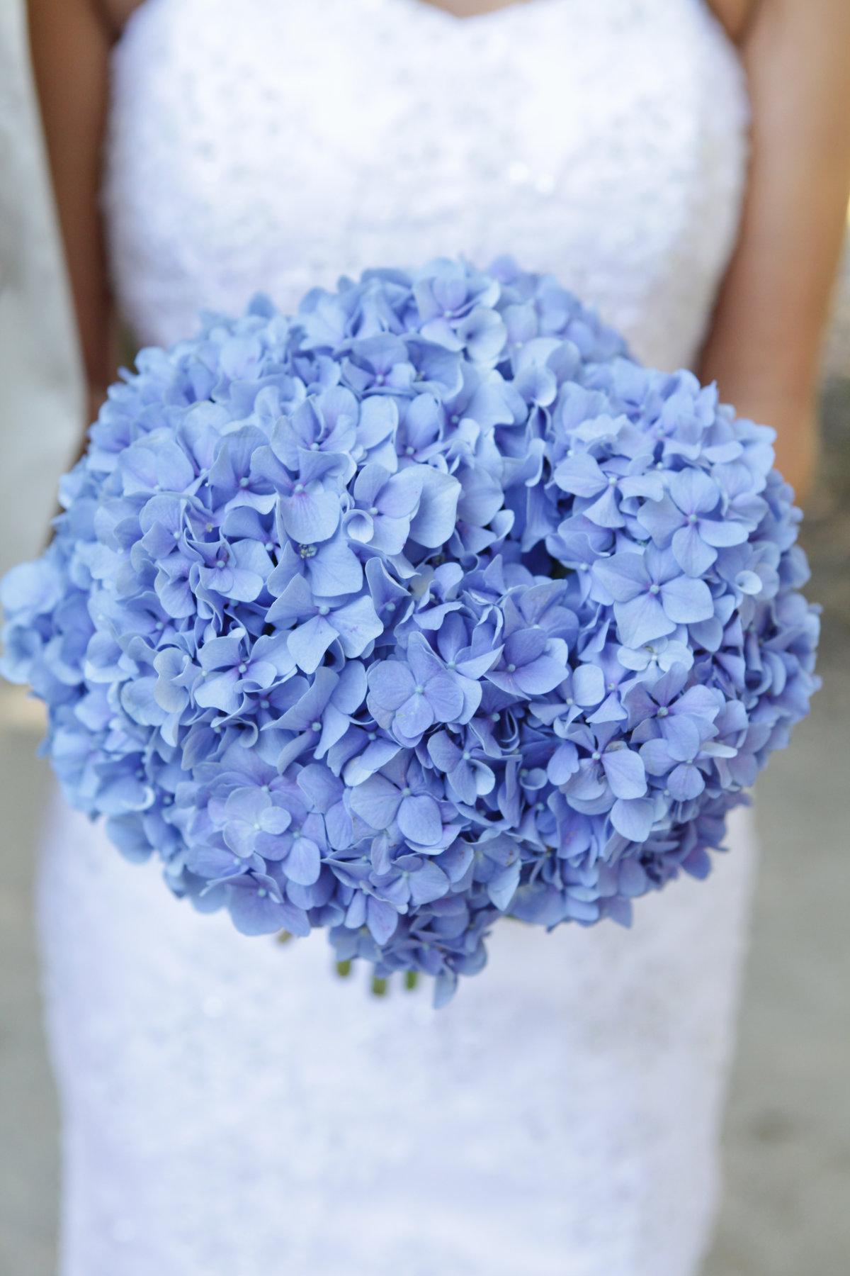 снимке свадебные букеты из гортензии цитадели