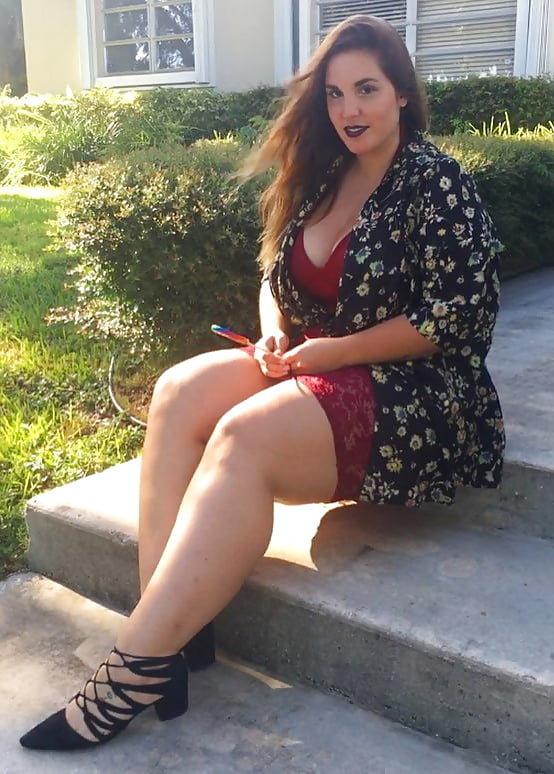 Телки с толстыми ногами