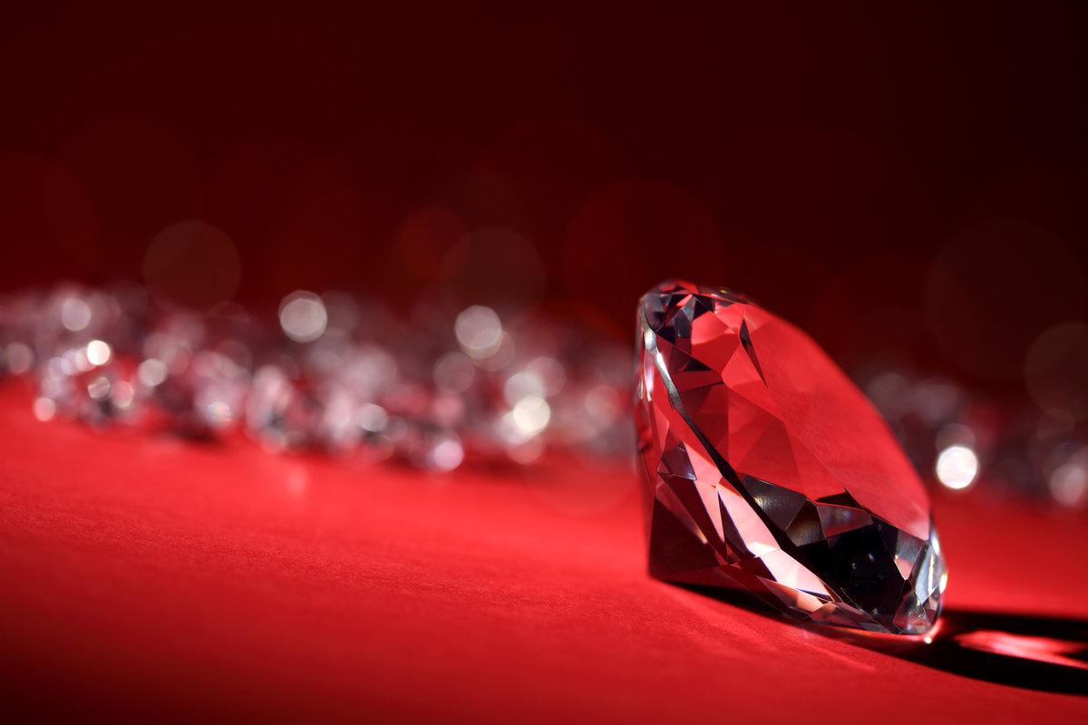 картинка красных бриллиантов что наш