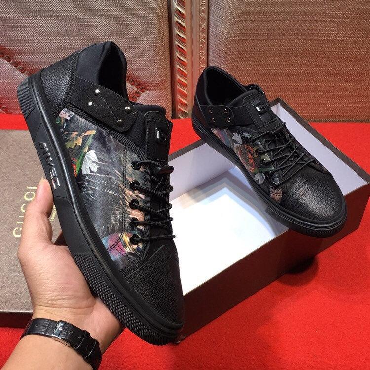b5237243eb4c Кроссовки Rhyton Gucci logo leather sneaker в Ельне. — A C Подробнее по  ссылке.