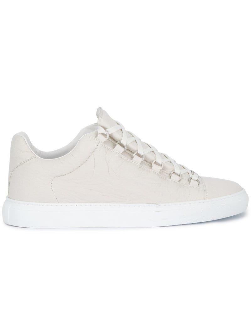 bbc8671ba91d Кроссовки Rhyton Gucci logo leather sneaker. On Подробности... 📌 http