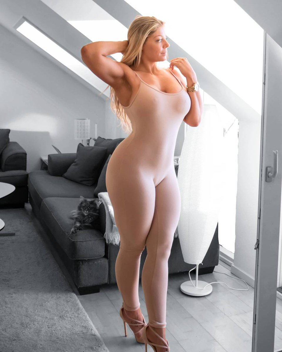 Tall girls with hot asses