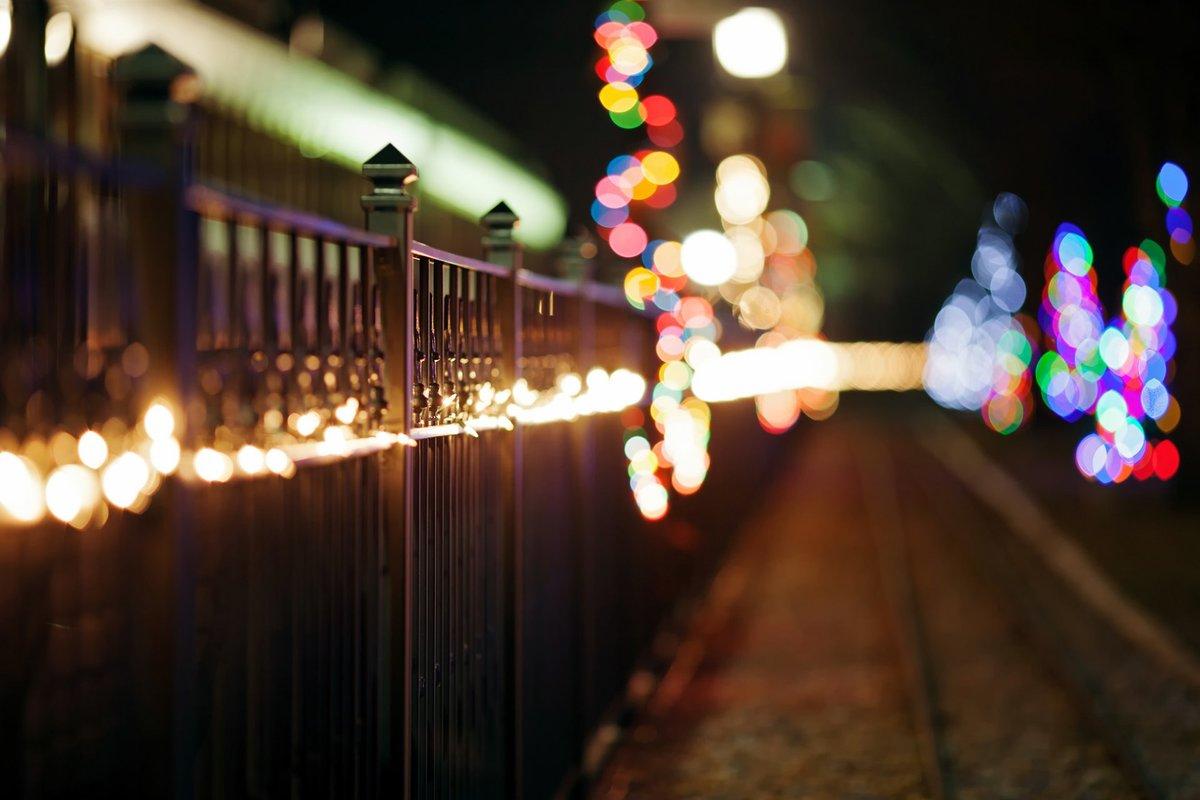 яркая картинка с фонариками вашим именем связано
