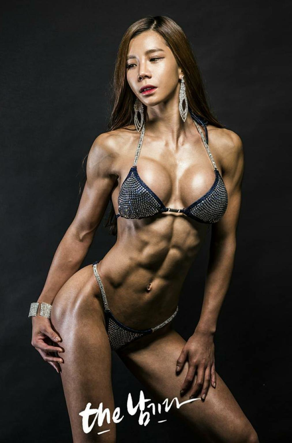 professional-female-nude-milf