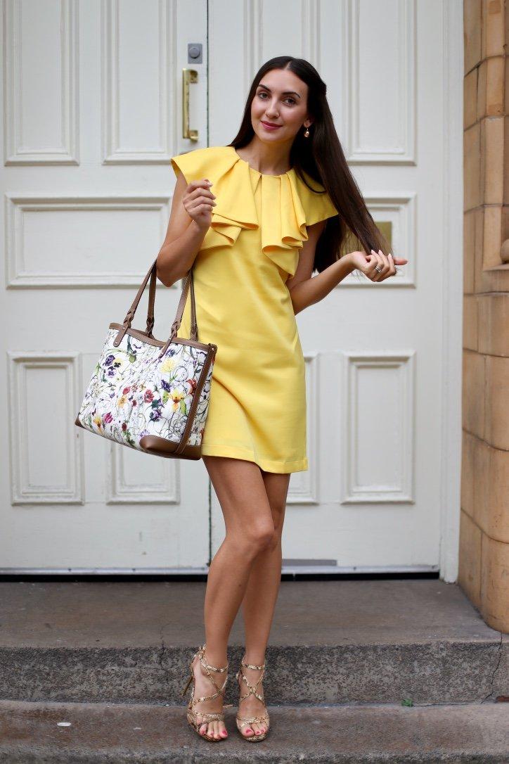 Обувь под желтое платье до колена фото