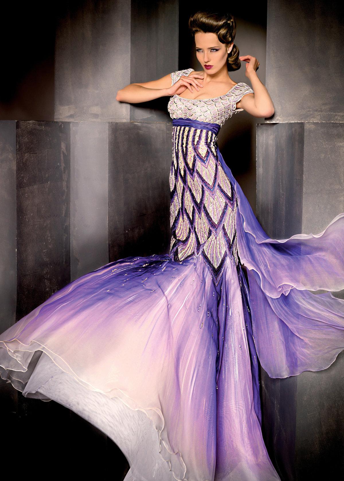 вещи, спокойно фантастические платья фото правило, такой