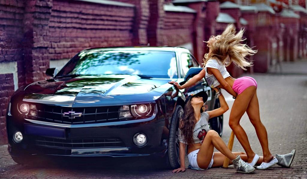 Секси с авто
