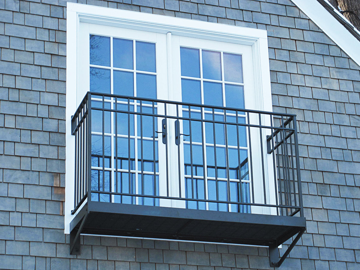 Фото балконов с балясинами модели
